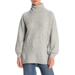 14th & Union Cozy Cable Tunic Sweater